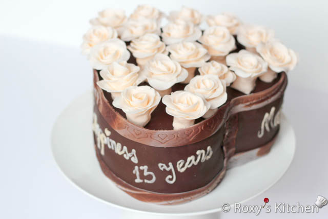 Heart-Shaped Cake Covered with Roses - Wedding Anniversary 2013 / Tort in Forma de Inima - Aniversare Nunta