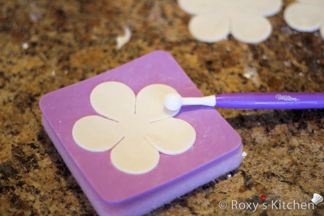 6 If You Want To Make More Sunflowers At A Time It Is Good Idea Roll Out Big Piece Of Fondant Or Gum Paste And Cut All The